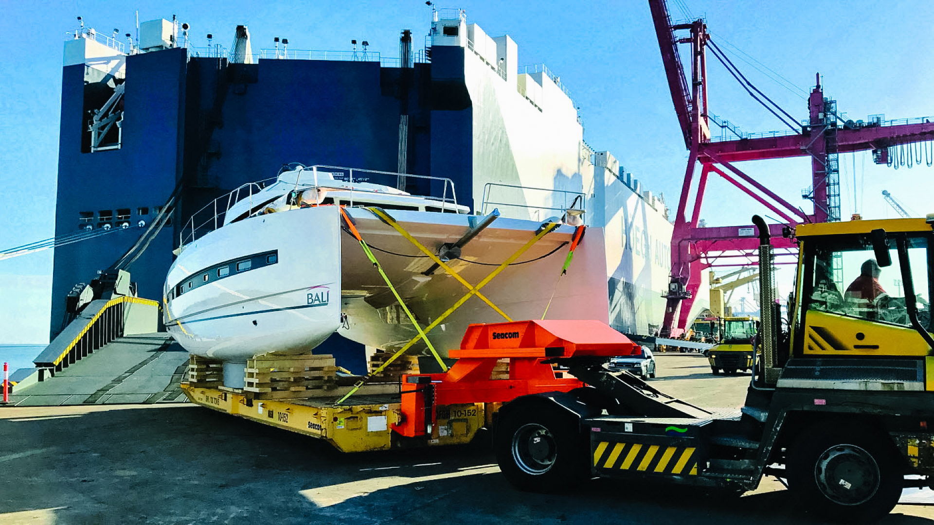 RoRo shipping of boats,boats